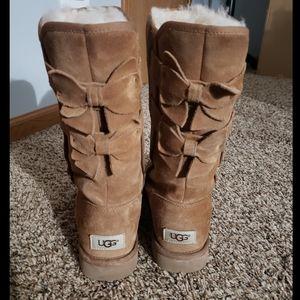Ugg boots (chestnut color)
